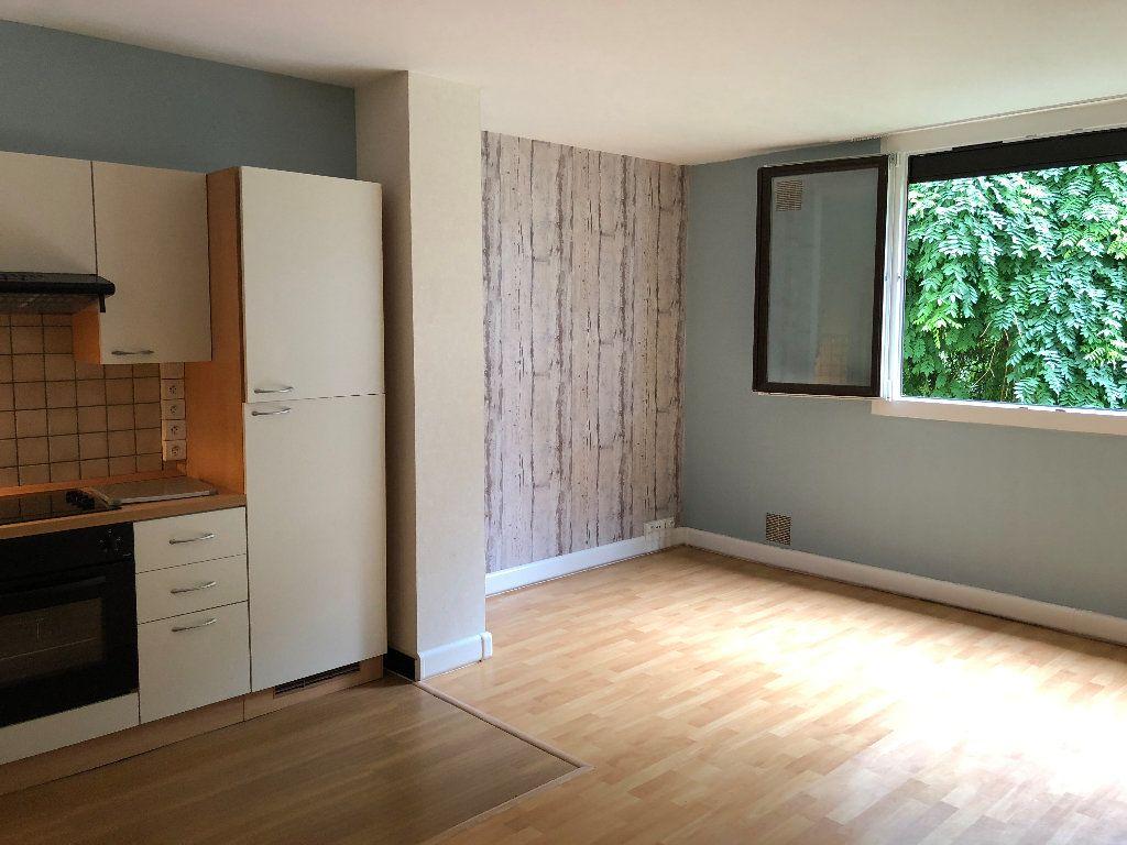 Appartement à louer 1 31m2 à Nevers vignette-7