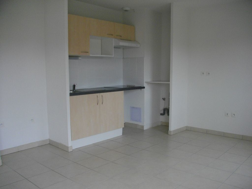 Appartement à louer 3 60.27m2 à Bourges vignette-1