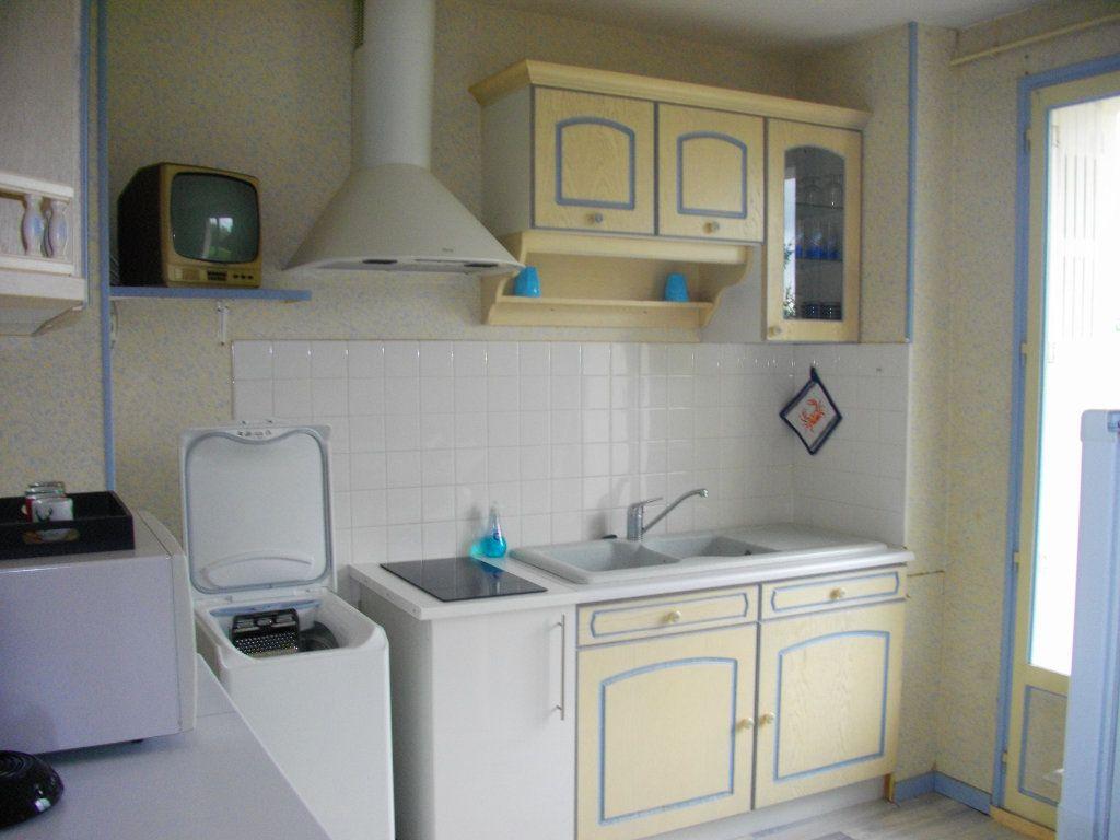 Appartement à louer 3 64m2 à Bourges vignette-2