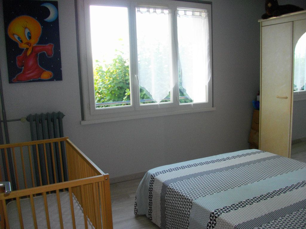 Appartement à louer 3 64m2 à Bourges vignette-4