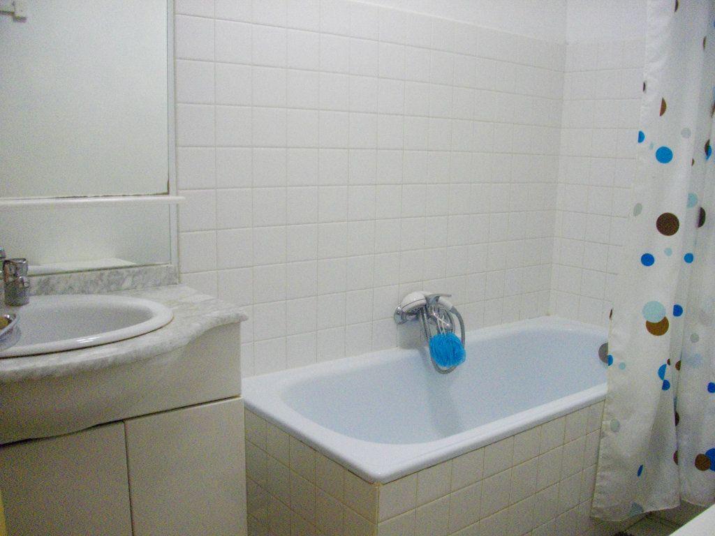 Appartement à louer 3 64m2 à Bourges vignette-5