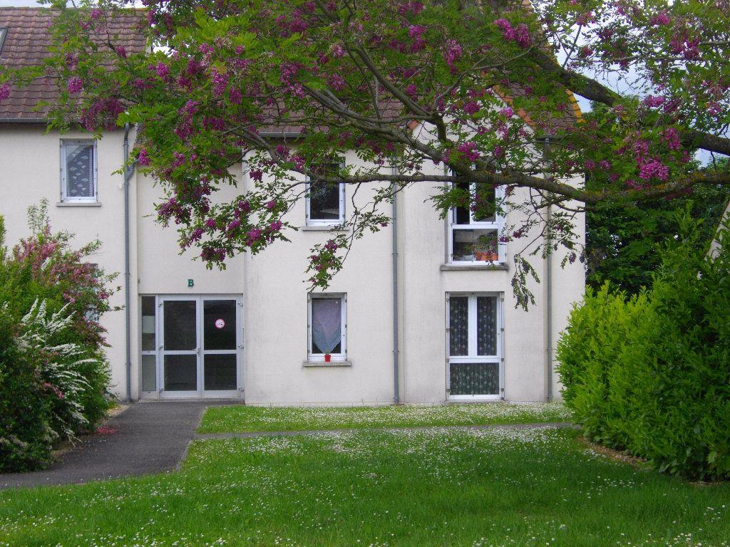 Appartement à louer 3 57.68m2 à Bourges vignette-4