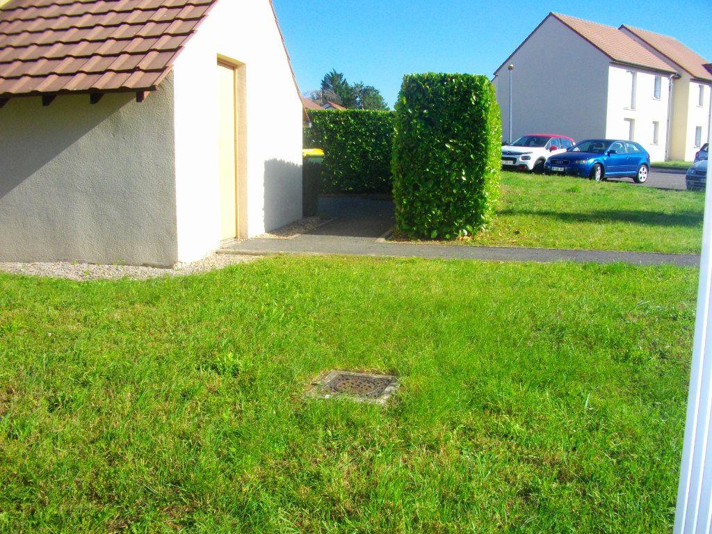 Appartement à louer 3 57.68m2 à Bourges vignette-9