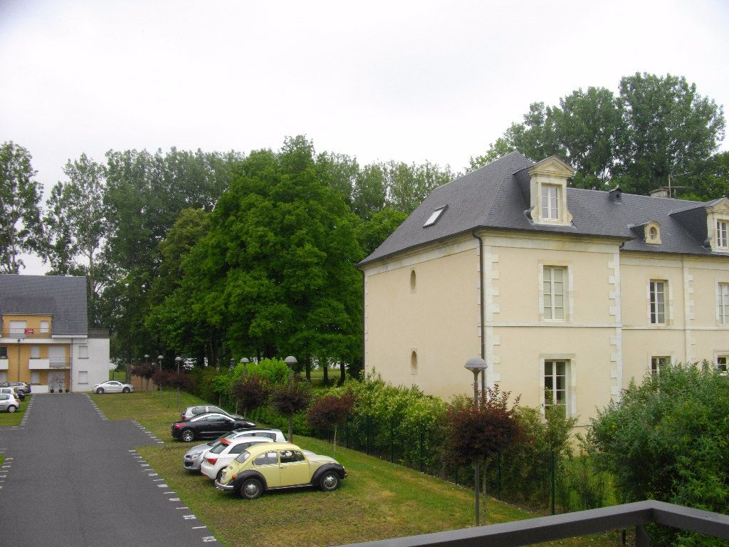 Appartement à louer 2 45.79m2 à Bourges vignette-4