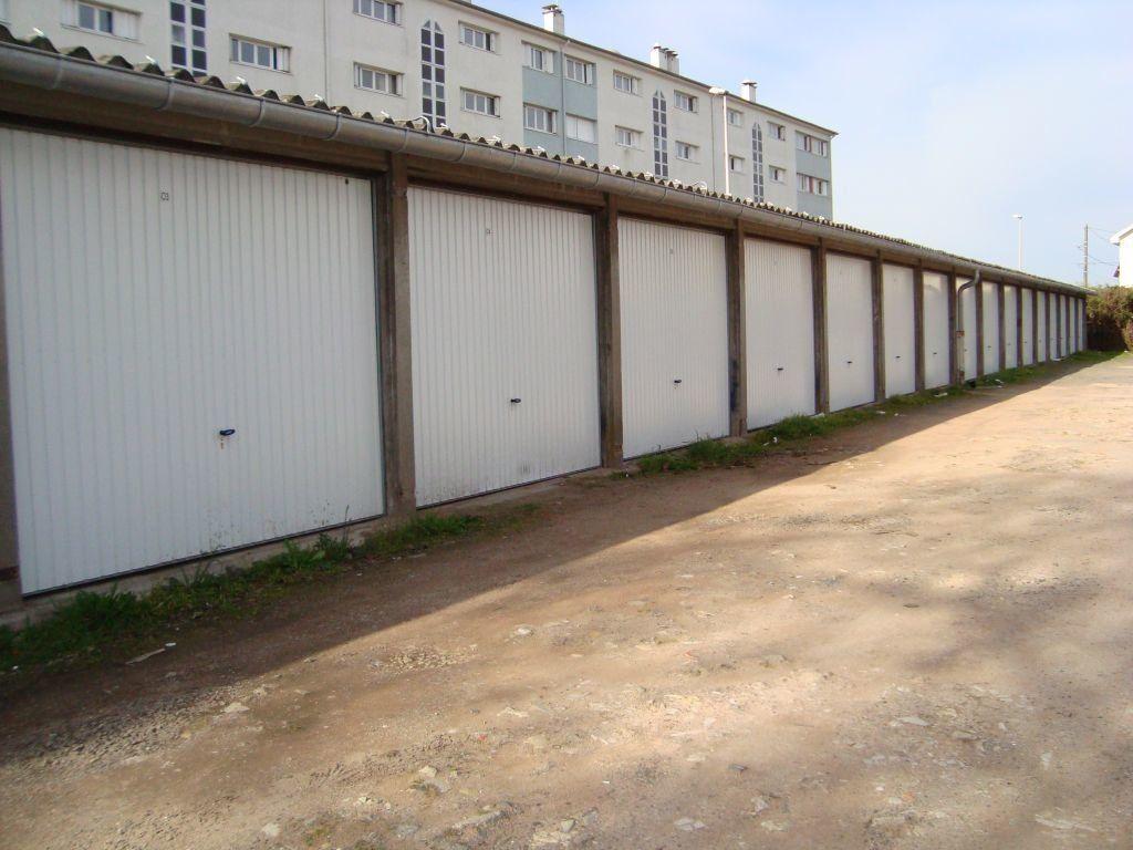 Stationnement à louer 0 12m2 à Nevers vignette-1