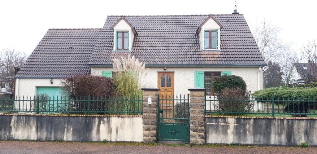 Maison à louer 6 131m2 à Varennes-Vauzelles vignette-1
