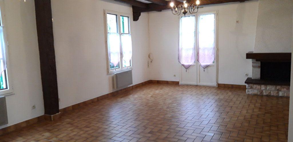 Maison à louer 6 131m2 à Varennes-Vauzelles vignette-3