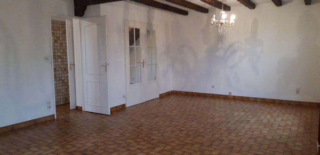 Maison à louer 6 131m2 à Varennes-Vauzelles vignette-4