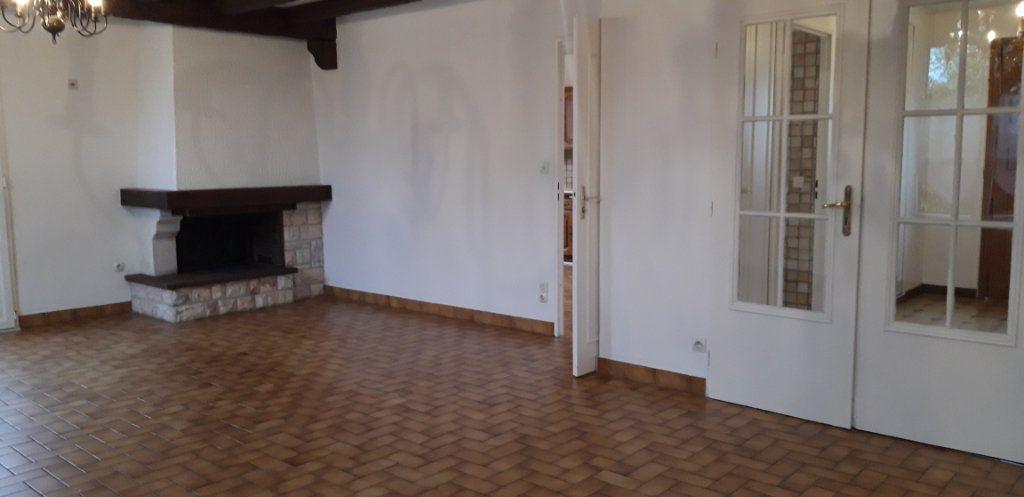 Maison à louer 6 131m2 à Varennes-Vauzelles vignette-5
