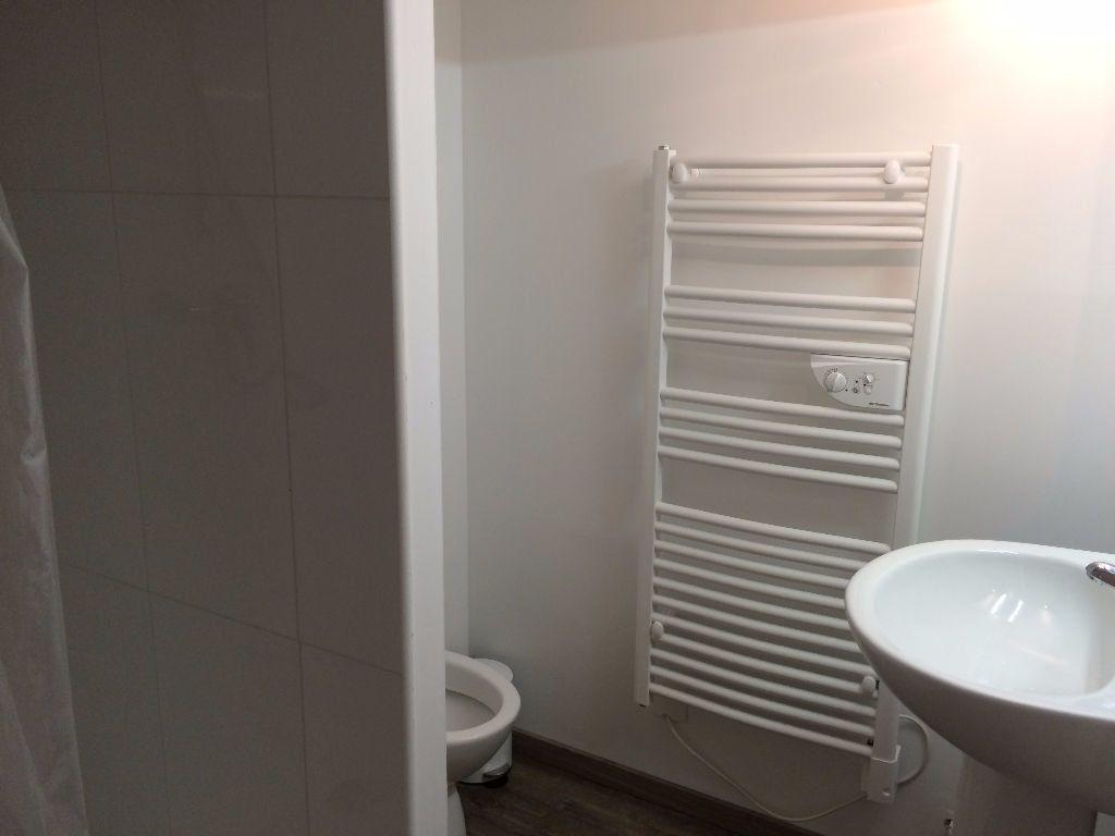 Appartement à louer 2 50.2m2 à Nevers vignette-13