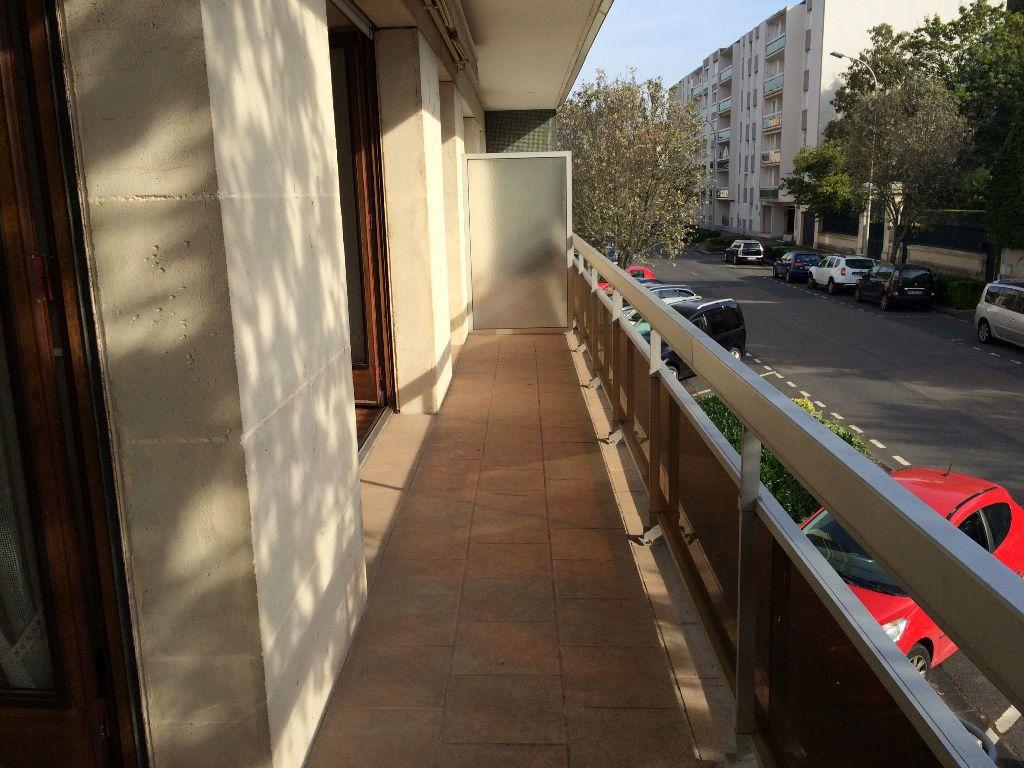 Appartement à louer 2 45.65m2 à Nevers vignette-3