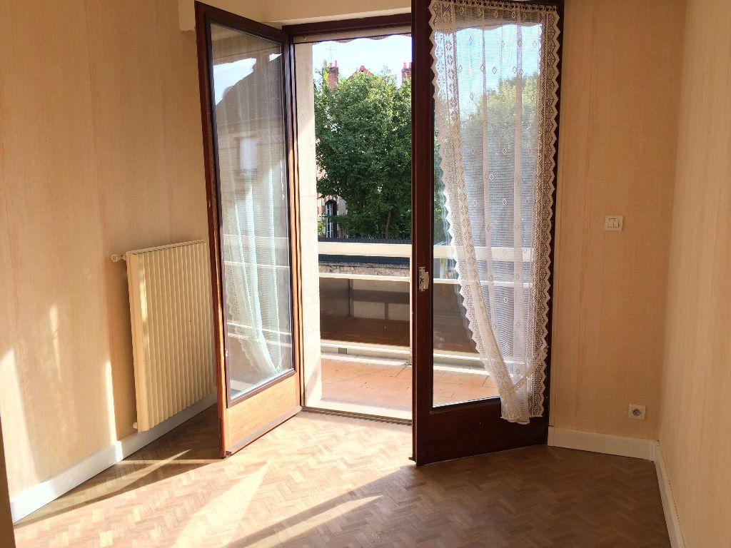 Appartement à louer 2 45.65m2 à Nevers vignette-4