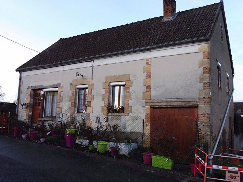 Maison à vendre 4 91m2 à Cercy-la-Tour vignette-2