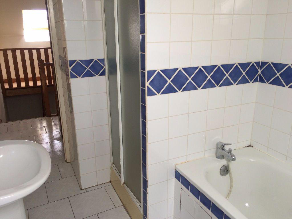 Appartement à louer 5 84.8m2 à Nevers vignette-7