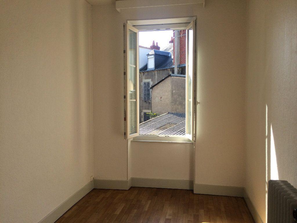 Appartement à louer 3 49.67m2 à Nevers vignette-3