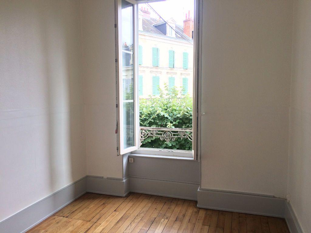 Appartement à louer 3 49.67m2 à Nevers vignette-4