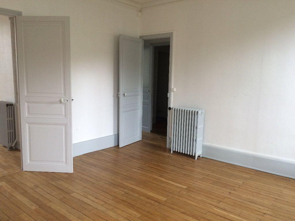 Appartement à louer 3 49.67m2 à Nevers vignette-5