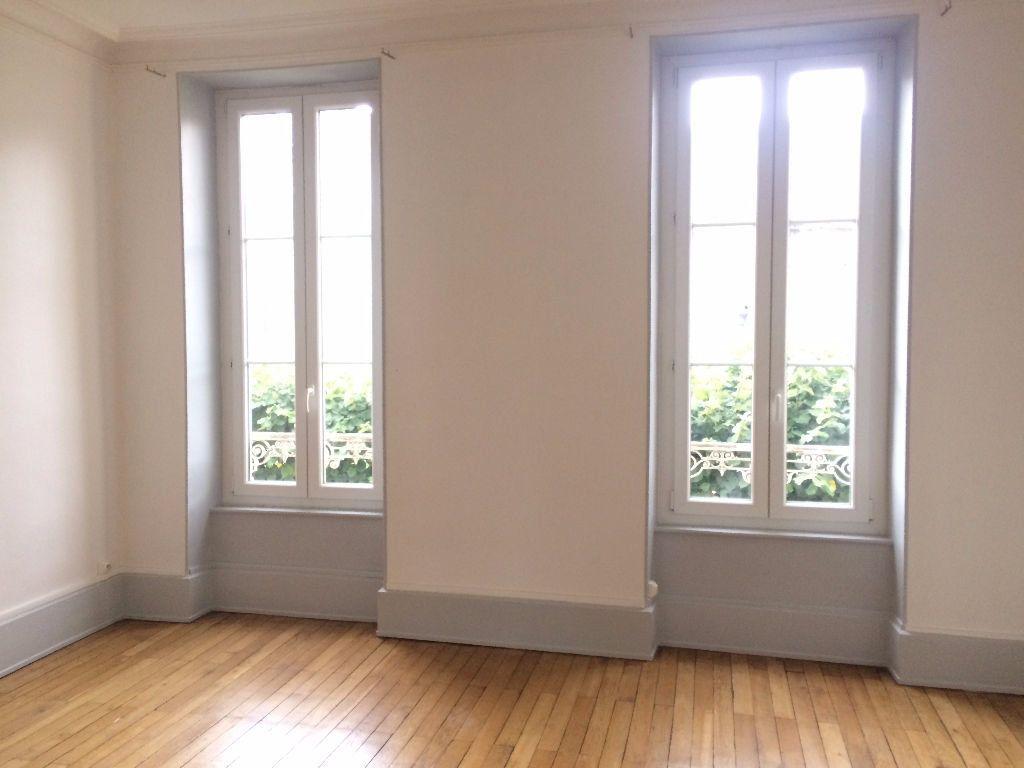 Appartement à louer 3 49.67m2 à Nevers vignette-7