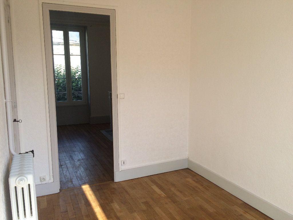 Appartement à louer 3 49.67m2 à Nevers vignette-8