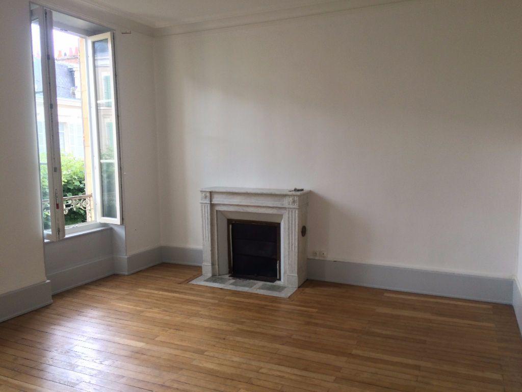 Appartement à louer 3 49.67m2 à Nevers vignette-11