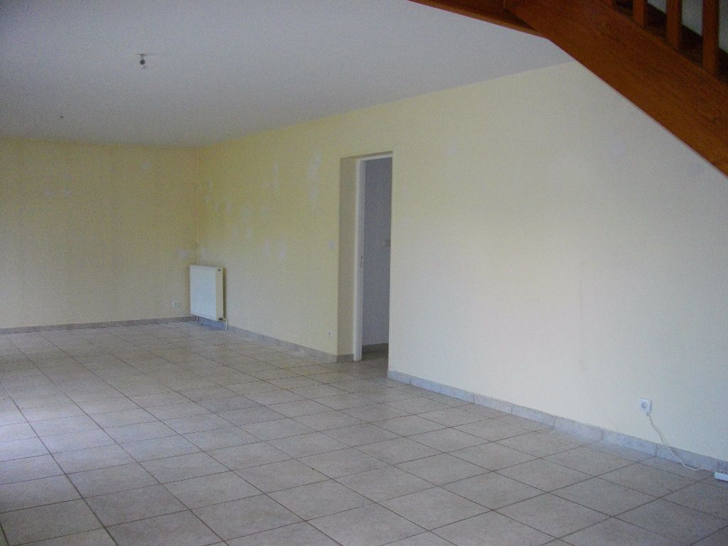 Maison à louer 6 185.13m2 à Marmagne vignette-4
