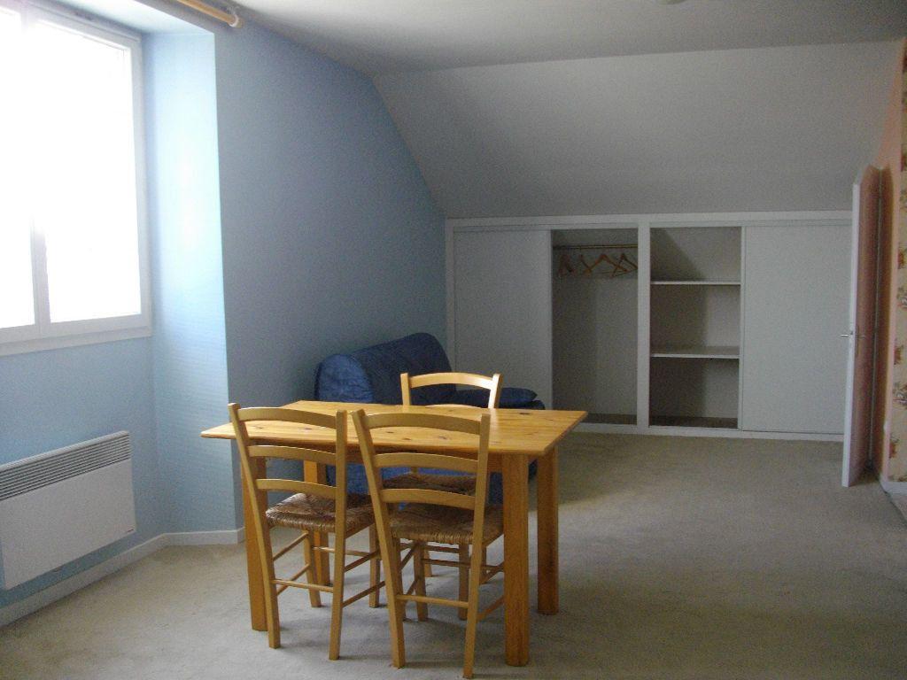 Appartement à louer 1 30.5m2 à Bourges vignette-2