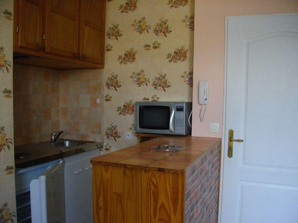 Appartement à louer 1 30.5m2 à Bourges vignette-3