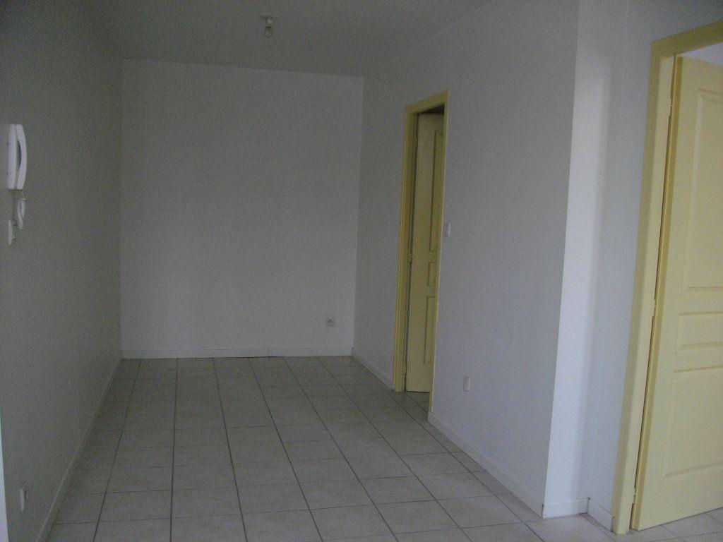 Appartement à louer 2 39.86m2 à Bourges vignette-2