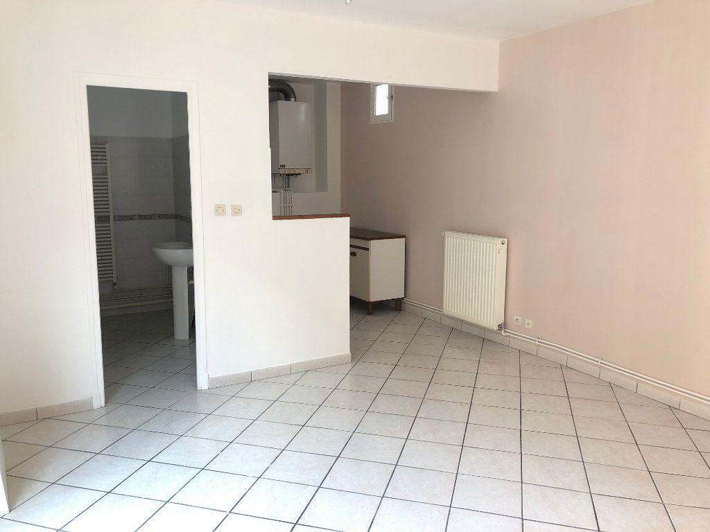 Appartement à louer 1 28.15m2 à Nevers vignette-2