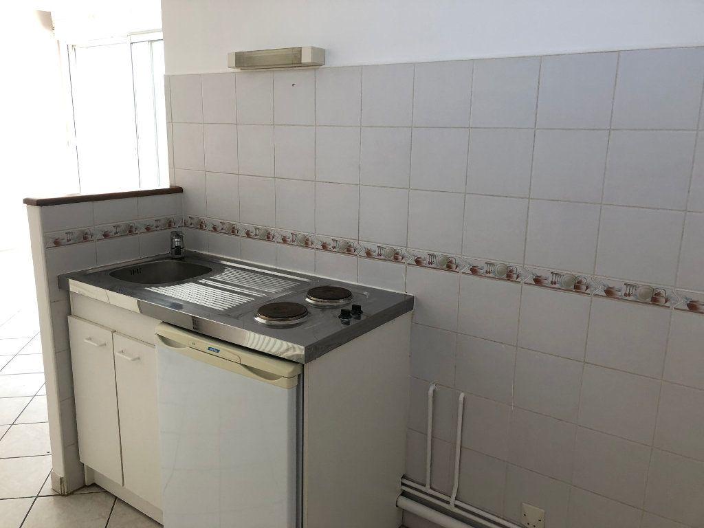 Appartement à louer 1 28.15m2 à Nevers vignette-9
