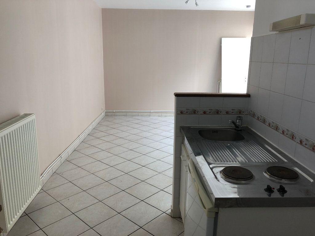 Appartement à louer 1 28.15m2 à Nevers vignette-12