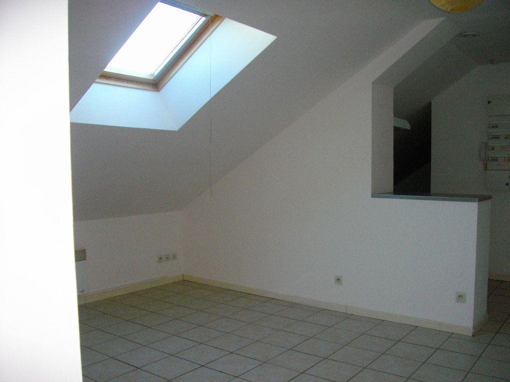 Appartement à louer 2 34.8m2 à Bourges vignette-2