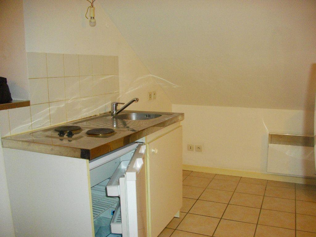 Appartement à louer 2 34.8m2 à Bourges vignette-3