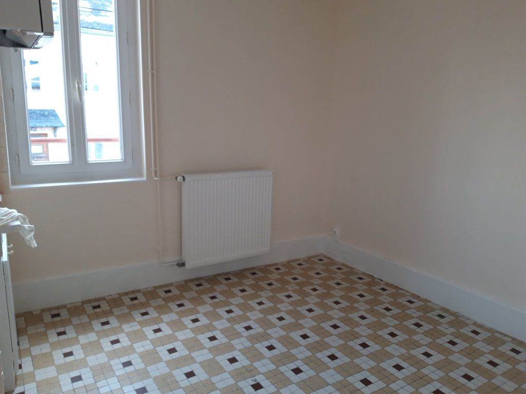 Appartement à louer 2 50.3m2 à Nevers vignette-1