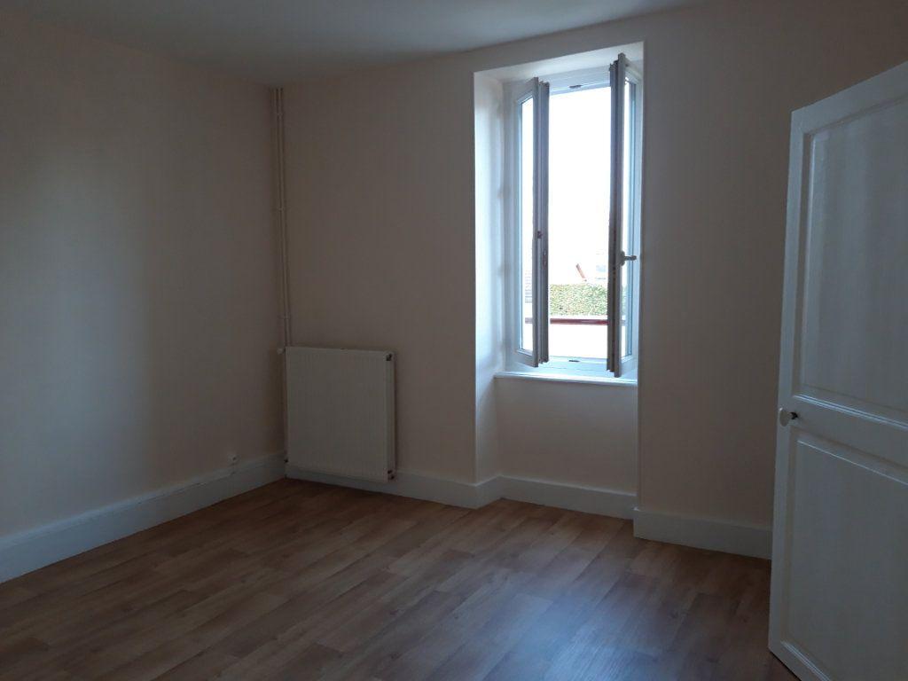 Appartement à louer 2 50.3m2 à Nevers vignette-2
