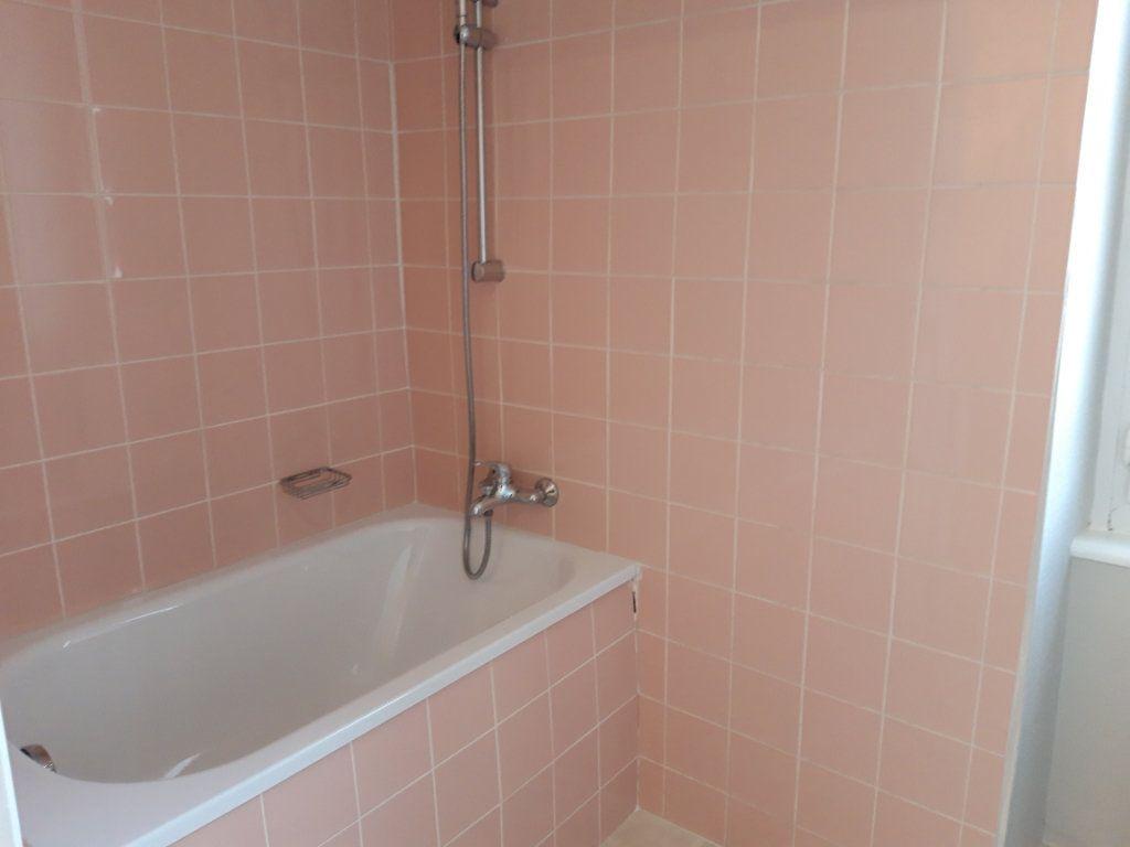 Appartement à louer 2 50.3m2 à Nevers vignette-3