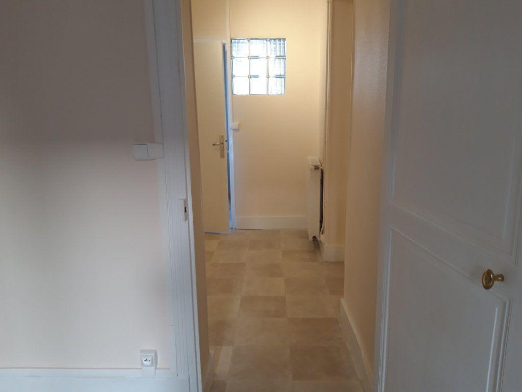 Appartement à louer 2 50.3m2 à Nevers vignette-7