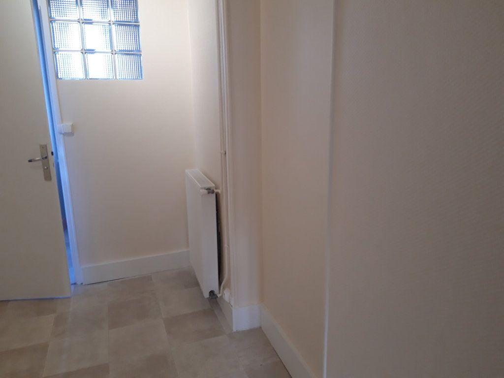 Appartement à louer 2 50.3m2 à Nevers vignette-8