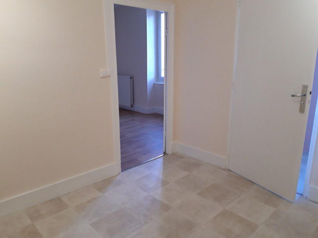 Appartement à louer 2 50.3m2 à Nevers vignette-9