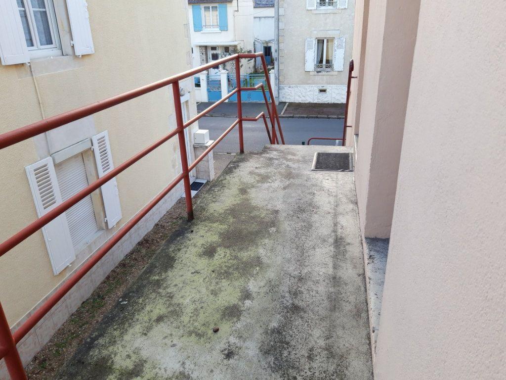 Appartement à louer 2 50.3m2 à Nevers vignette-11