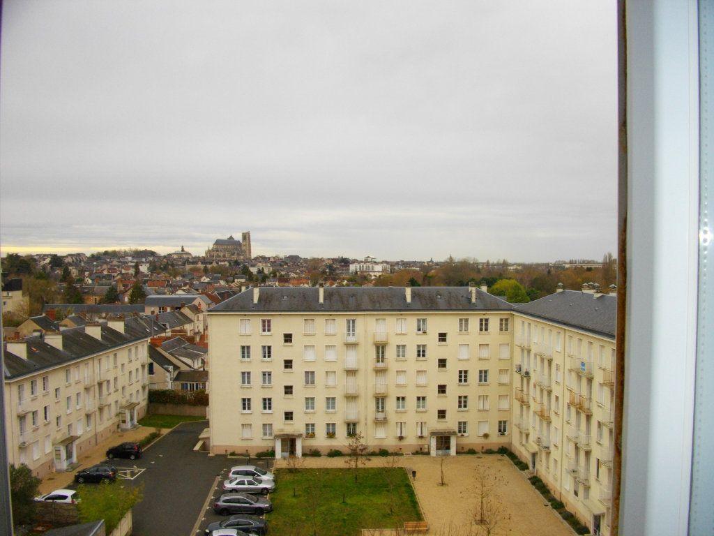 Appartement à louer 3 70.42m2 à Bourges vignette-11