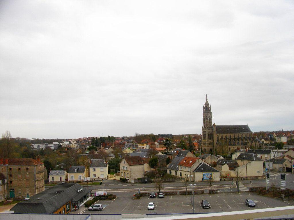 Appartement à louer 3 70.42m2 à Bourges vignette-12
