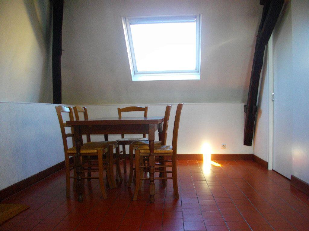 Appartement à louer 2 41.78m2 à Bourges vignette-2