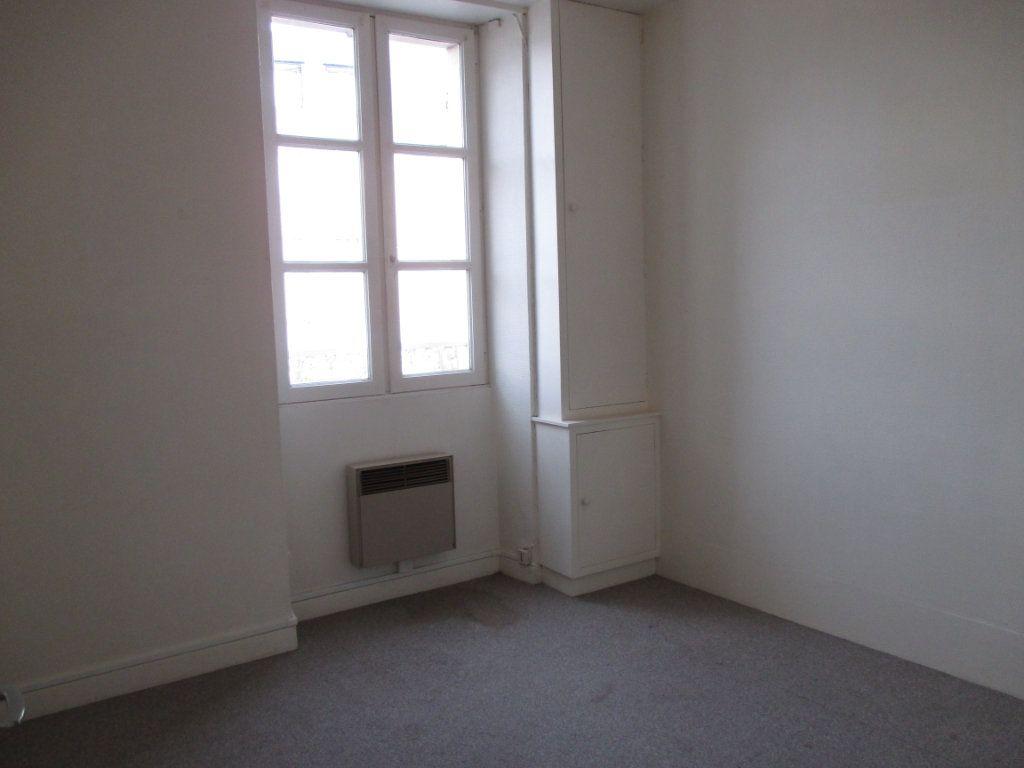 Immeuble à vendre 0 150m2 à Bourges vignette-10