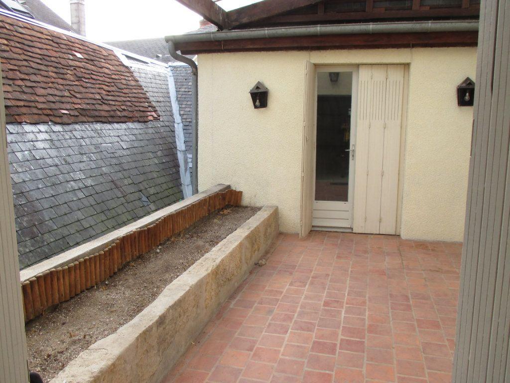 Immeuble à vendre 0 150m2 à Bourges vignette-11