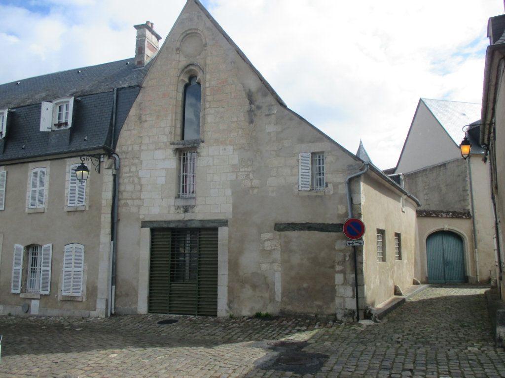 Appartement à vendre 3 105m2 à Bourges vignette-1