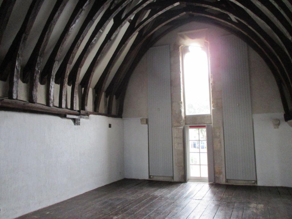 Appartement à vendre 3 105m2 à Bourges vignette-2