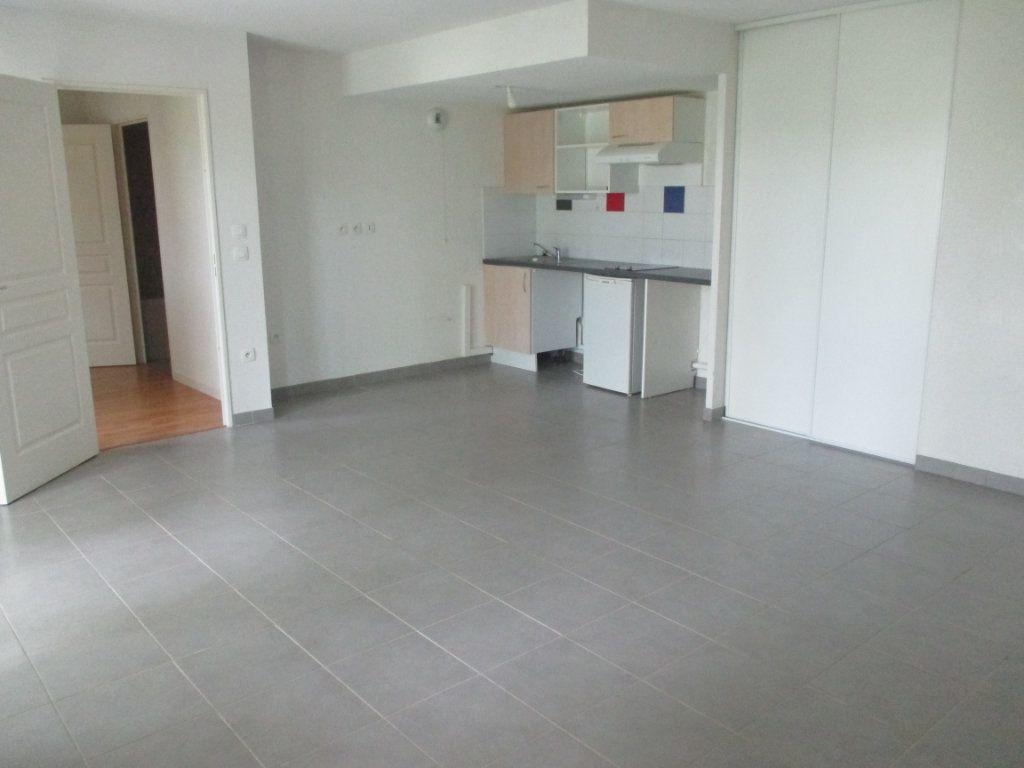 Appartement à vendre 2 45.85m2 à Bourges vignette-1