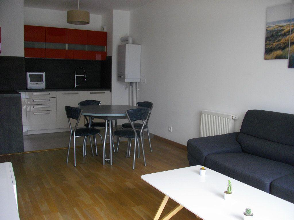 Appartement à louer 2 41.29m2 à Bourges vignette-2