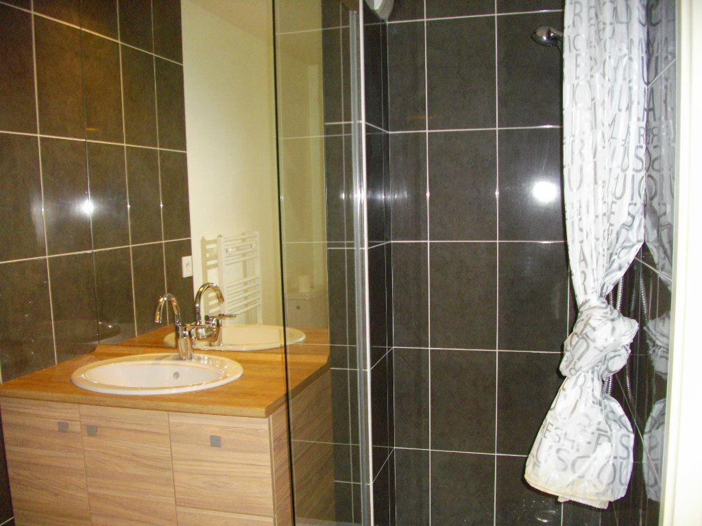 Appartement à louer 2 41.29m2 à Bourges vignette-10